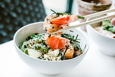 ensalada-salmon-sana
